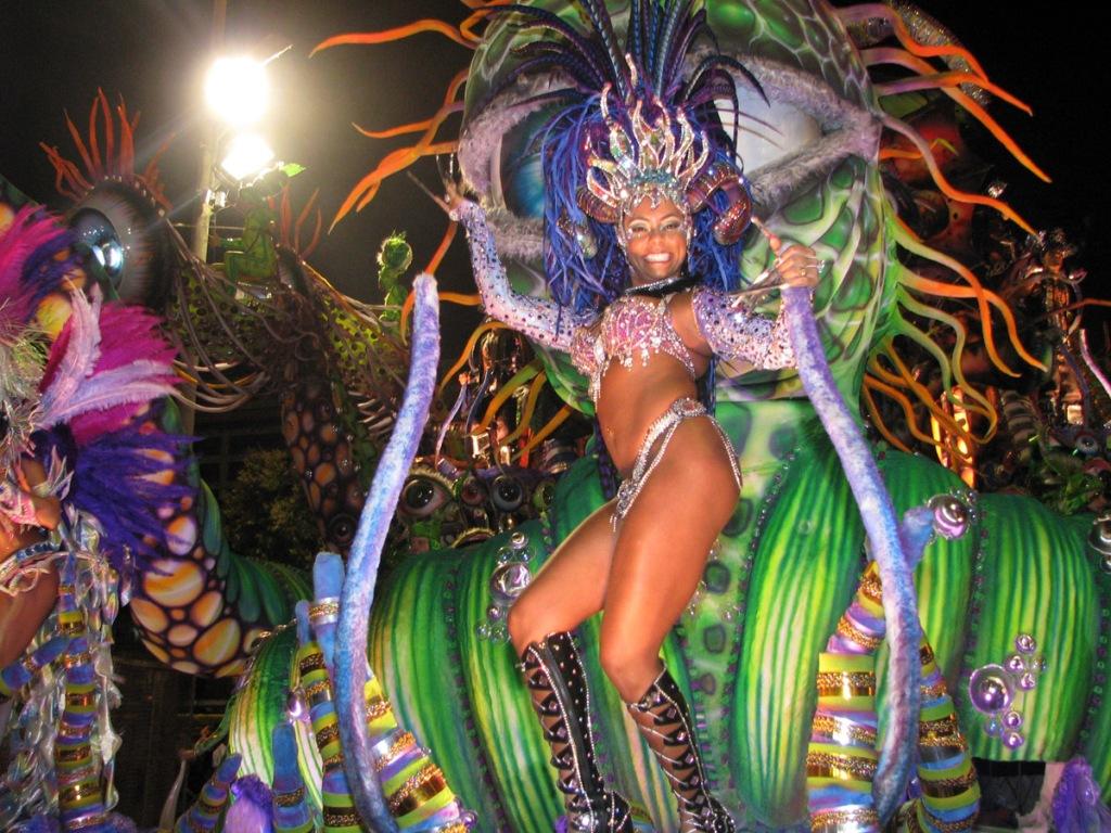 Rio-De-Janeiro-Carnival-Brazil-Dancer-Travel-interesting